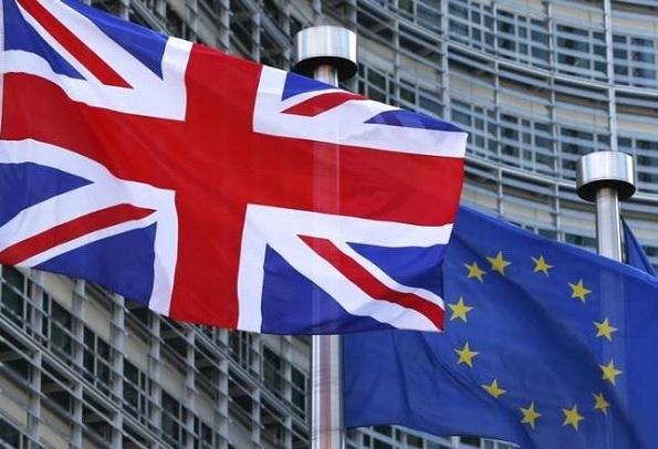英国EU離脱決定で大荒れの金融市場、今後の見通し、投資すべきものとは?