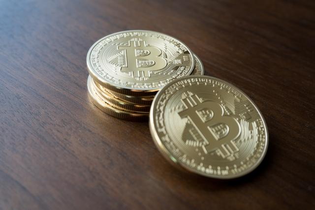 ビットコイン等の仮想通貨のメリットと問題点について