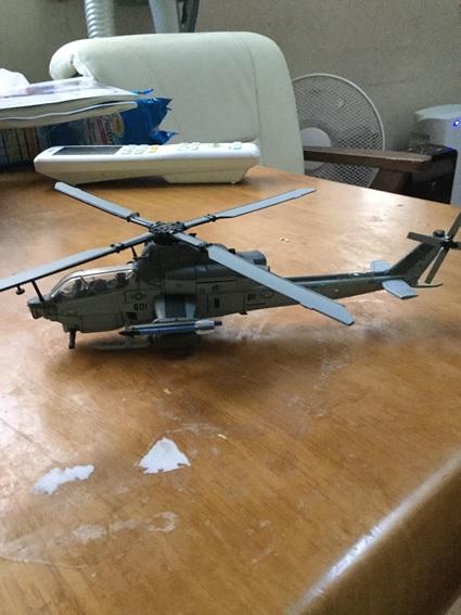 今にも飛んでいきそうな飛行機のダイキャストモデル。