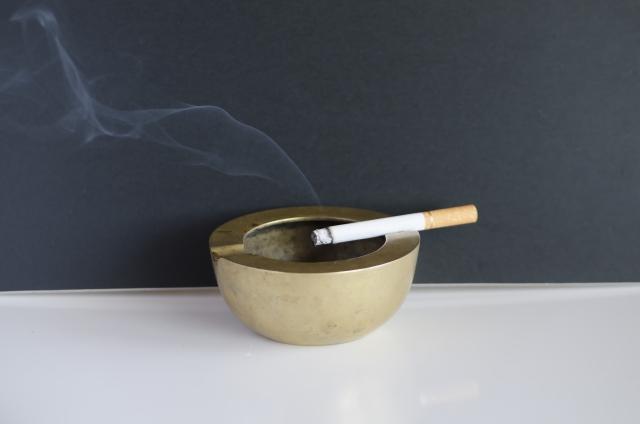 タバコの受動喫煙による害について【副流煙がなぜ体に悪い影響を与えるのか?】